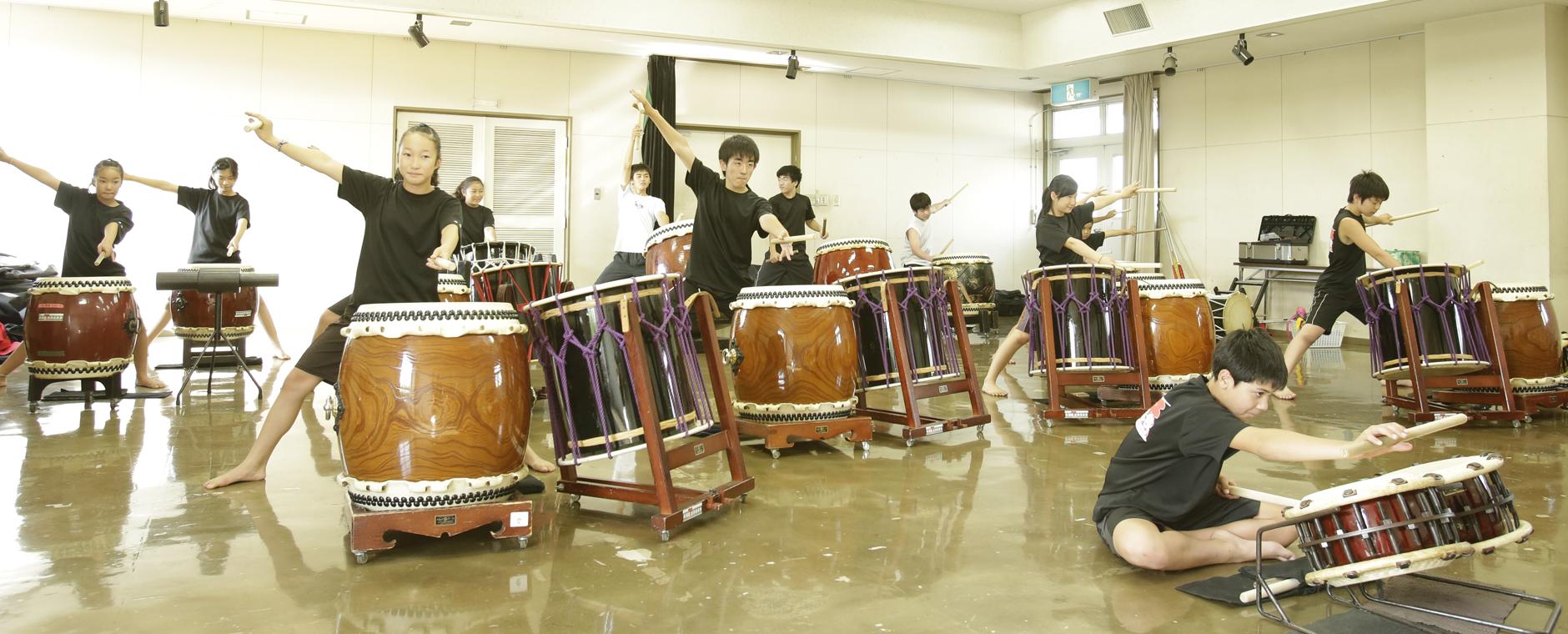 和太鼓の魅力を次世代へ伝え、育む。